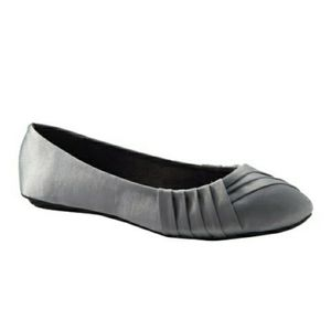 EAST 5TH PLEATED ROUND TOE BALLET FLATS